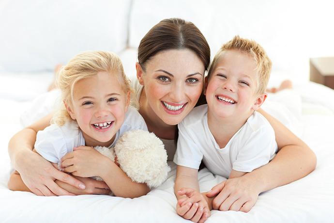 ... τα απρόοπτα και τη χαρά του να είσαι μητέρα. Διάσημες και μη μαμάδες c25c59d1b26