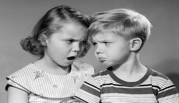 1950s BOY GIRL HEAD TO HEAD ANGRY FACIAL EXPRESSIONS ARGUMENT FIGHT