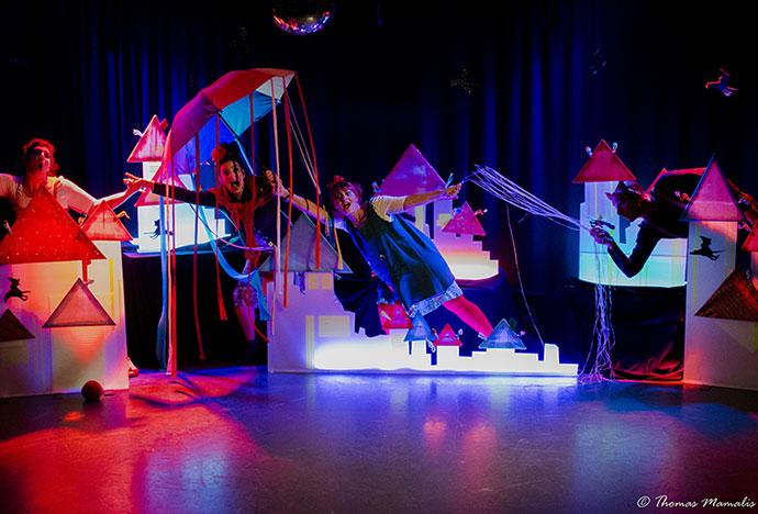 Παιδικό θέατρο: «Αποκριάτικα Παιχνιδομαγέματα»